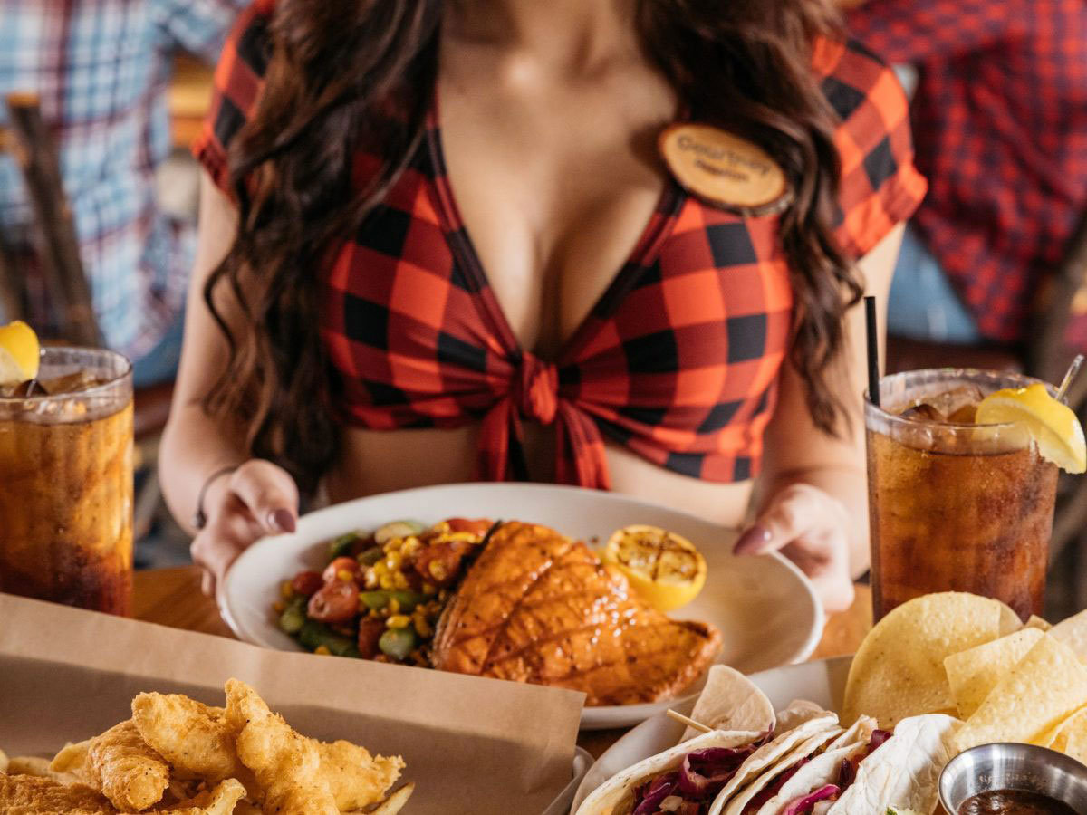 breastaurants Hooters e Twin Peaks