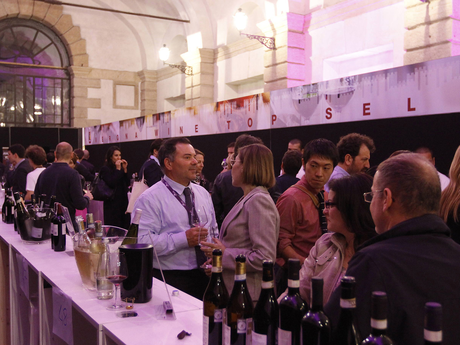 Degustazione Vinitaly and the city viola