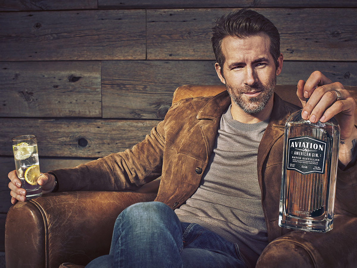 Celebrità e alcol, dagli eccessi al business Ryan Reynolds Gin