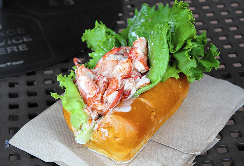 lobster roll piatti canadesi