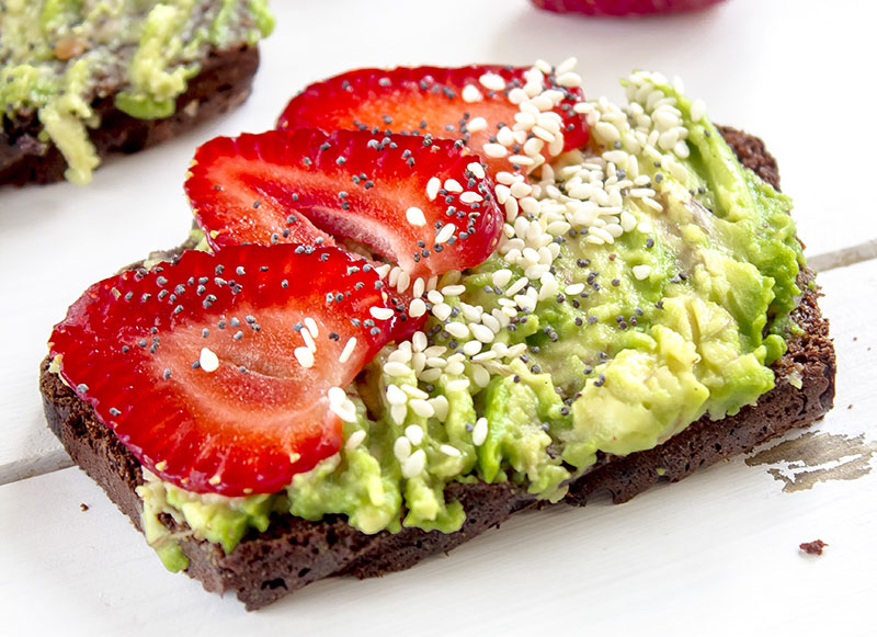 avocado toast varianti