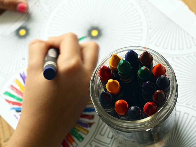 libri colorare adulti art therapy